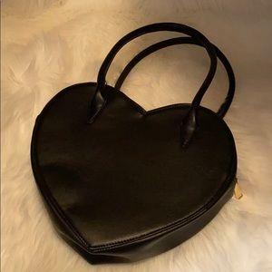 Black heart handbag! 🖤